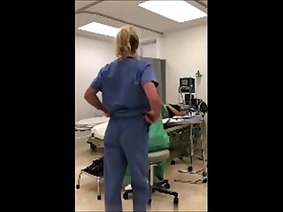 Enfermeira norte americana se masturbando no trabalho
