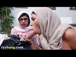 Mia Khalifa & Stepmom Juliana Vega Fuck Sean Lawless (smv13606)