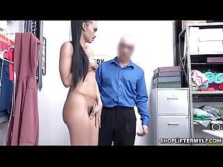 Horny Latina MILF thief Gia Vendetti uses her juicy wet pussy to fuck with the police and get out..
