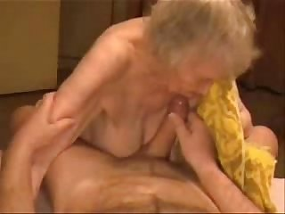 Amateur facia on granny