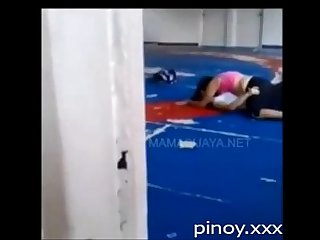 Lesbian nagtikiman sa volleyball court