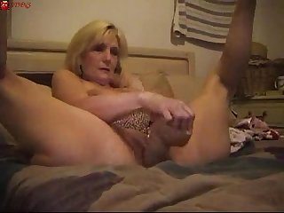 Mature big Sextoy masturbation