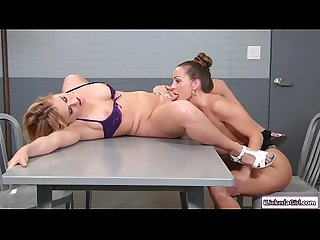 Hot attorney makes lesbian client squirt