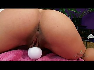 Bunny Freedom masturbates with a Hitachi vibrator