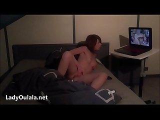 Masturbation devant un porn lesbians