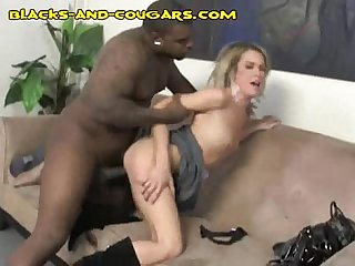 Black Pounds Cougar Pussy