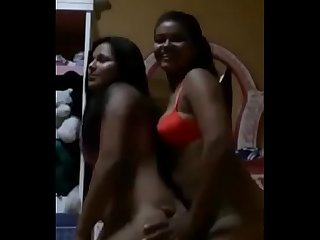 Two Desi girls naked show live on cam