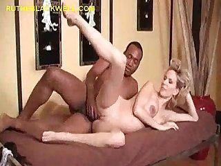 Huge black dick in preggo pussy