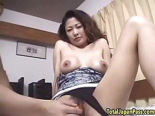 Hairy japanese milf pussytoying and fucking