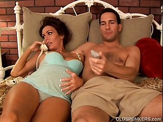 Pregnant mature pornstar nancy vee is a hot fuck