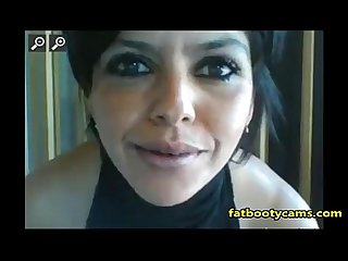 Latina Milf showing tits - fatbootycams.com