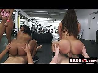 Ass Parade Orgy At The Gym - Valerie Kay, Arianna Knight, Bianca