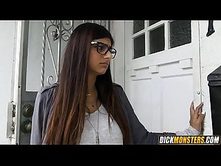 Mia khalifa cheats on her bf with 2 thugs 1 001