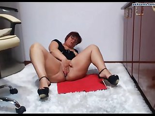 Chubby girl fingers pussy on cam paxcams com