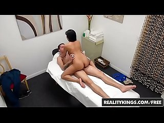 Realitykings happy tugs ember snow dylan snow one hot Rubdown