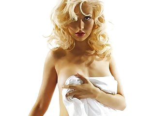 Christina Aguilera Disrobed: http://ow.ly/SqHxI