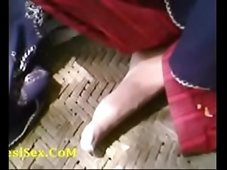 Bangladeshi Bhabhi sex with boyfriend in park