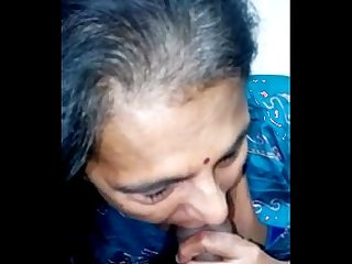 mature punjabi aunty sucking nicely