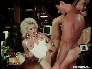 Hot Amber Lynn fucked in Classic Porn video