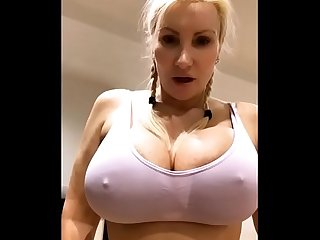 Big tits big ass blonde milf chats live - TheXXXCam.com