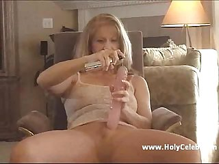 Mature sammi my dildo better than two mens