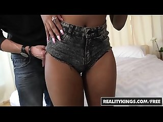 RealityKings - Round and Brown - (Chris Strokes, Qutie Quinn) - Such A Qutie
