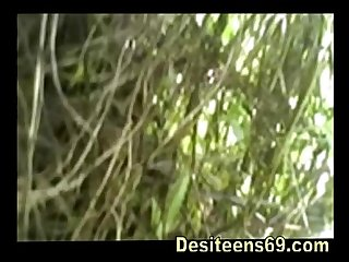 Indian Village girl Fist time sex video www.desiteens69.com