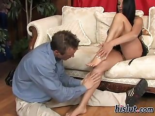 Audrey bitoni uses her feet on a shaft