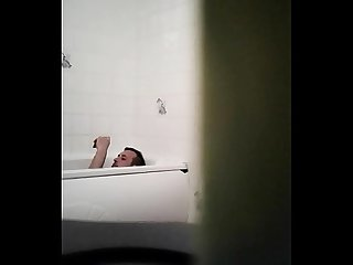 Straight mate spy cam in bath on drugs lol