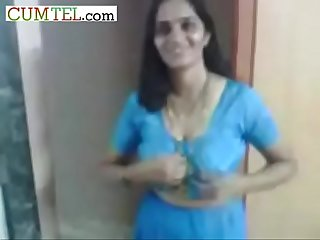 Indian aunty remove her blue Saree blouse expose big boobs nude body