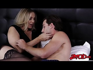 Dick riding cougar Julia Ann shows off her big ass and tits