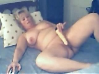Hidden cam caught my busty mum having fun on webcam