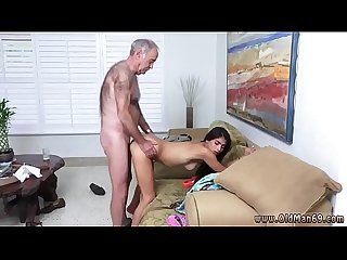 Two old men young girl poping pils