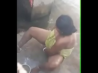 Desi aunty outdoor bath