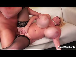 Giant boobed mature lady gets fucked