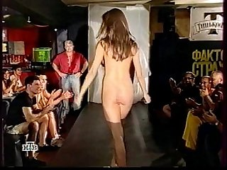 Russian girl dances naked on a show fear factor