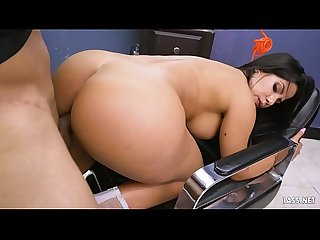 Latina Twerker Rose Monroe Welcomes Barber Shop Customer the Sexy Way