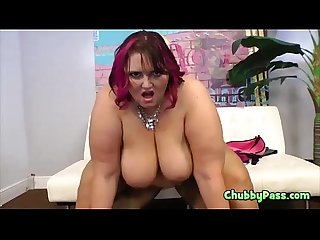 Sexy Chubby Sara Star Shows Her Booty