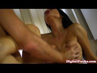 Busty cougar jasmine jae buffs the knob