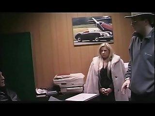 Milfona calma il suo ragazzo con una bella scopata