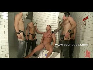 Derek pain loves dunking and breath play in the hot pool