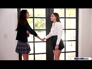 Nerdy teen licks coolest girl in school