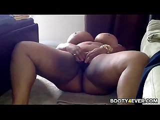 Big tits black bbw masturbating