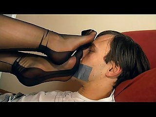 Worshipping extremely beautiful young mistress feet