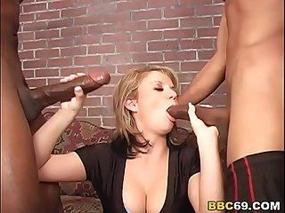Alex Divine Interracial Threesome Sex With MAndingo