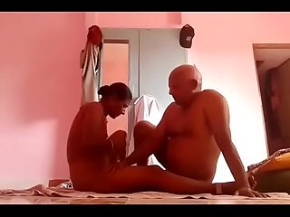 Tamil sexy Desi maid giving hot blowjob for money