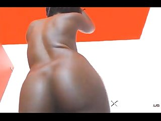 webcam girl with round ass and wet lips - see her live on XpornCams.us