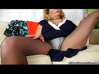 My pantyhosed pussy needs a massage