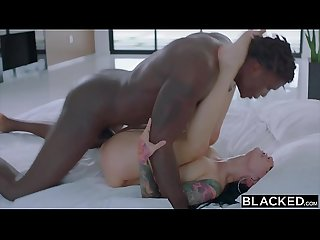 BLACKED This BBC queen finds black nerd with huge cock