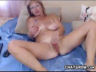 Horny mature whore loves masturbating